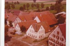 »Dorfstraße« (Noch ohne Asphaltierung)